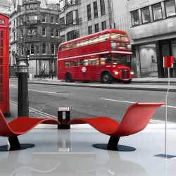 Fototapeta  Red bus and phone box in London